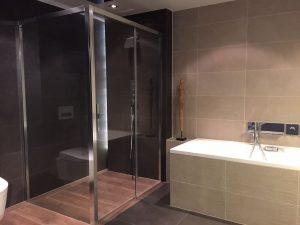Op zoek naar een badkamerspecialist in a for Badkamer specialist